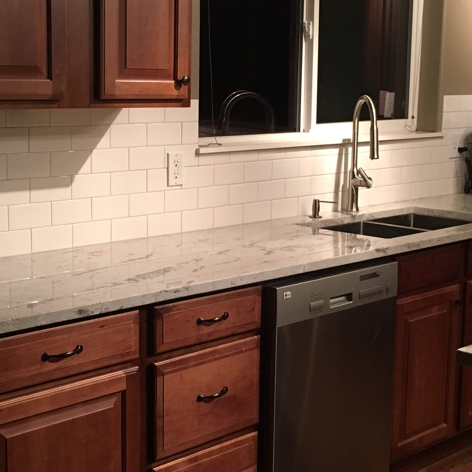 Fabulous River White Granite With White Subway Tile Backsplash Download Free Architecture Designs Jebrpmadebymaigaardcom