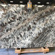 Nettuno Bordeaux Granite